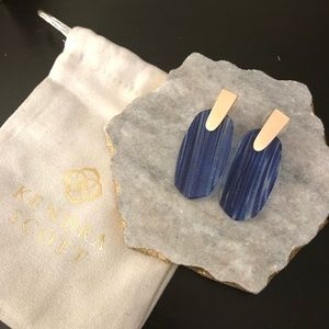 Kendra Scott Aragon Earrings in Navy Dusted Glass